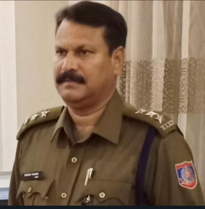 Under ACP Dinesh Kumar's direction and supervision SHO Ajay Karan Sharma with Delhi Police arrested Neeraj Banga for hoarding and black marketing Oxygen cylinders